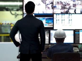L'outil Parsable Connected Worker Platform acoompagne les opérateurs. Elle permet aussi aux superviseurs de suivre la réalisation des tâches en temps réel. (Photo : Parsable)