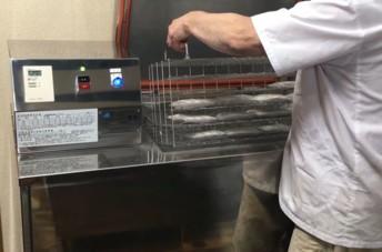 L'Ifip évalue l'intérêt d'un procédé de surgélation inédit pour la conservation de produits carnés transformés. Venue du Japon, la technologie employée repose sur l'utilisation d'un bain d'éthanol à – 30°C.