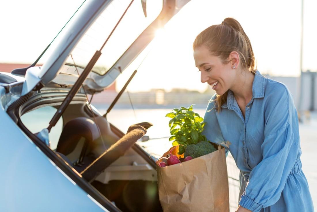 Nielsen constate un boom des ventes de produits frais traditionnels en drive, fruits et légumes en tête qui représentent désormais 7,1 % du chiffre d'affaires total du circuit.