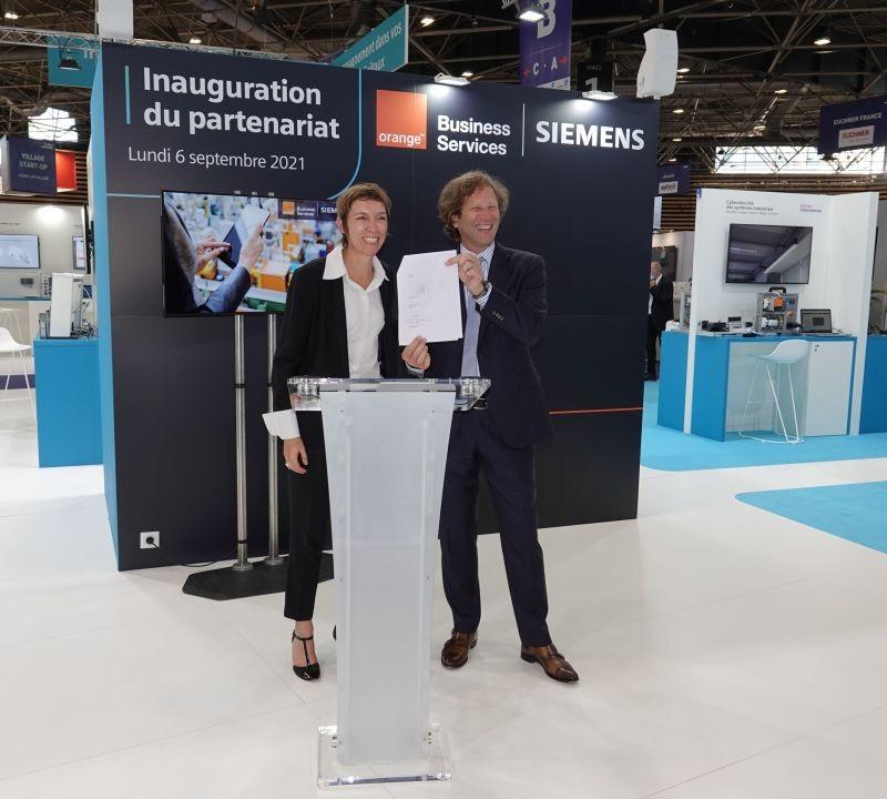 Valérie Cussac, vice-présidente exécutif « smart mobility services » Orange Business Services, et Vincent Jauneau, vice-président Siemens France le 6 septembre 2021.