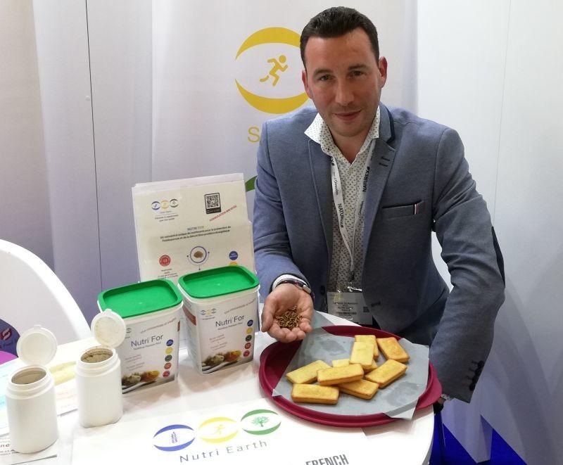 La start-up Nutri'Earth a développé une farine d'insectes riches en protéines, en vitamines et minéraux. Selon Thomas Dormigny, co-fondateur de la société, elle permet de lutter contre l'ostéoporose ou la dénutrition de la personne âgée.