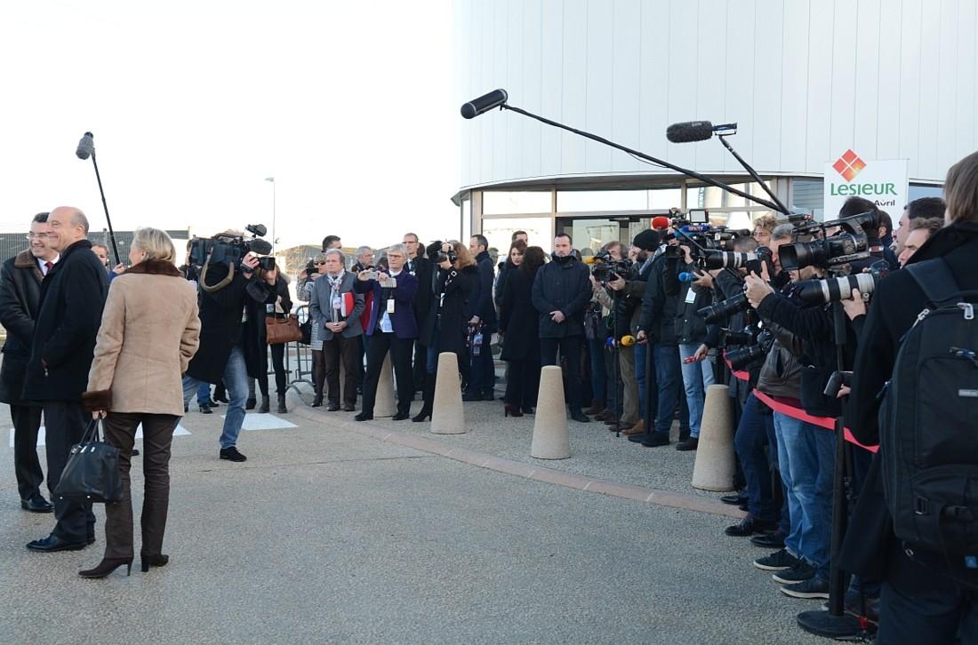 Plus de 40 journalistes étaient accrédités pour l'inauguration de l'usine. Beaucoup suivaient le Premier Ministre Manuel Valls. Parmi les personnalités invitées, le maire de Bordeaux Alain Juppé (en photo), mais aussi le président de la nouvelle région Aquitaine Limousin Poitou Charentes, Alain Rousset.