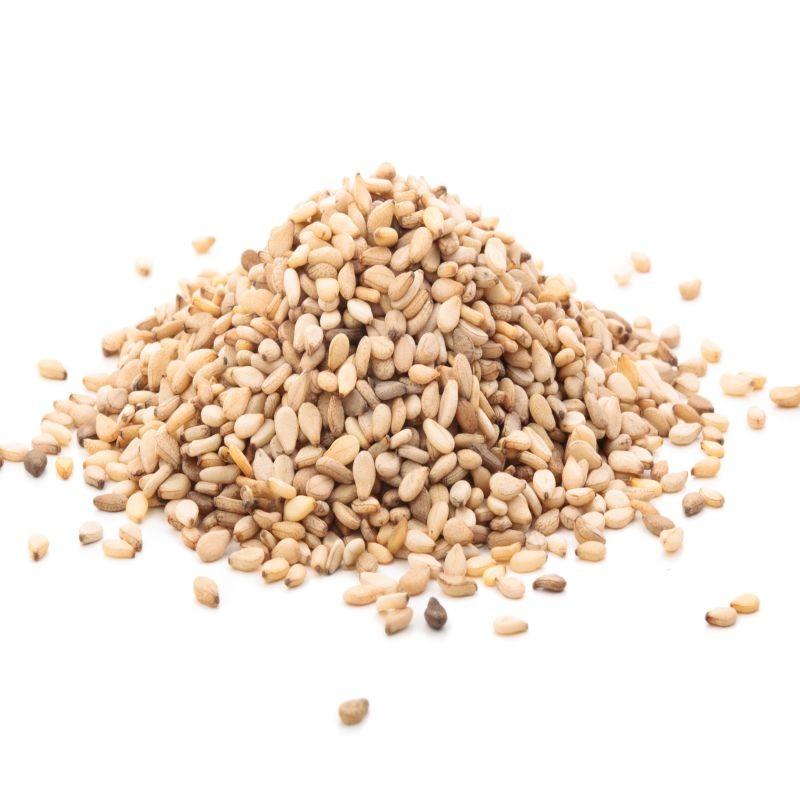 La Commission européenne vient de mettre à jour la réglementation suite à la détection de teneurs en pesticides supérieures à la limite maximale de résidus dans les graines de sésame en provenance d'Inde. Crédit : Adobe Stock.
