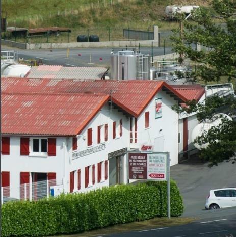 La maison Agour entend transformer son site historique d'Hélette au Pays Basque en un site vitrine en termes d'efficacité énergétique et de faible impact environnemental. La société est accompagnée dans sa démarche par Bertin Technologies.