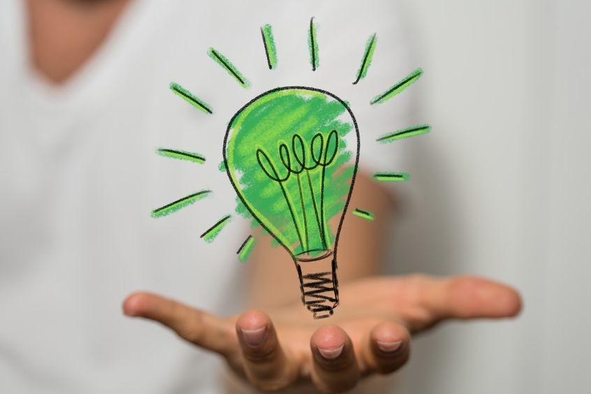 La Commission Européenne souhaite booster le développement de solutions de stockage d'électricité, pour composer avec l'intermittence des énergies renouvelables dans un contexte de décarbonation de l'économie. (Crédit Fotolia - Adobe Stock)