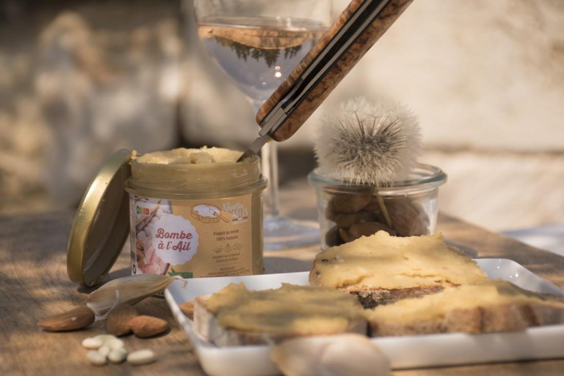Bombe à l'ail : tartinable apéritif local à base de haricots blancs, ail et amandes. École d'Ingénieurs de PURPAN
