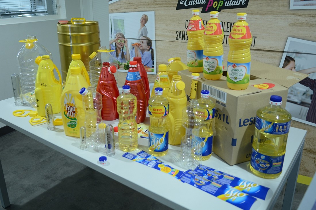 Sont produits sur le site de Bassens les marques Isio4 (1L et 2L), Frial (2L et 5L), Lesieur Coeur de Tournesol (1L et 3L), Lesieur Tournesol (5L), Fruit d'Or (2L et 3L) et Maurel (1L, 5 L, 10 L, 25 L). Des containers 1000 L sont aussi produits pour Lesieur Solutions Industrie.