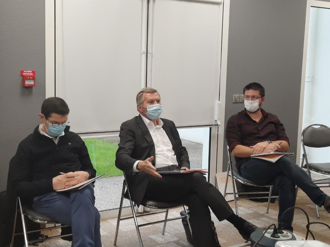 De gauche à droite : Sylvain Leopold, directeur des opérations de Solina ; Marc-Olivier Bernard, dirigeant de la Brasserie de Bretagne et vice-président de l'ABEA ; Philippe Guillamo, responsable des services environnement et énergie de Agromousquetaires.