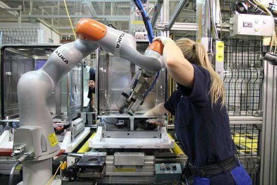« La réussite de la France en matière de production intelligente avec des robots industriels est incroyable », déclare Milton Guerry, président de la Fédération Internationale de Robotique.