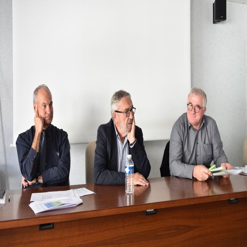 De gauche à droite : Michel Mounier (directeur financier), Jean-François Fortin (directeur général du groupe) et Christophe Levavasseur (président) lors de la conférence de presse du 18 septembre dernier.