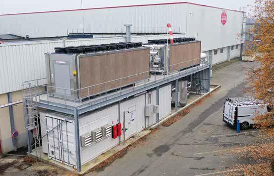 La nouvelle installation frigorifique de Maître Jacques, à Rennes (35), est composée de groupes au NH et au CO2 logés dans des conteneurs extérieurs.