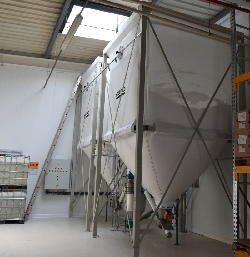 La Franco Argentine stocke le sucre dans deux silos souples de 13.6 t chacun.