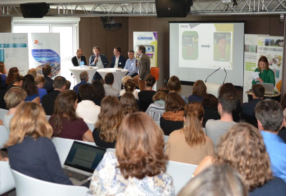 Plus de 120 professionnels du secteur agroalimentaire ont participé à la première édition des Ateliers de l'Emballage, organisés par le magazine Process Alimentaire au Centre Culinaire Contemporain à Rennes. La table-ronde du matin a mis à l'honneur des représentants de Bodin Bio, Fleury Michon, Goumanisto et Mowi.