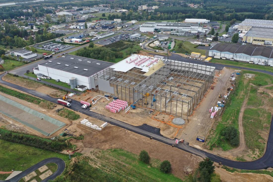 La plate-forme logistique basée à proximité du site Les Crudettes (LSDH), à Châteauneuf-sur-Loire, tient les délais pour une livraison prévue à l'été 2021. Crédit image : Jocelyn Meynard pour IDEC AGRO & Factory.