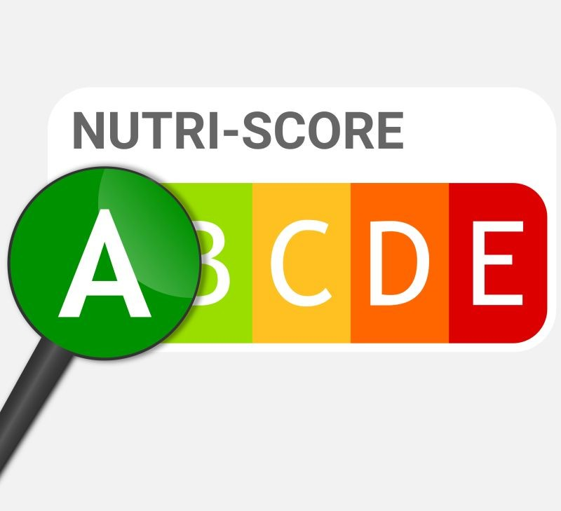 Selon l'étude de l'Oqali, les marques nationales porteuses du Nutri-Score en grandes surfaces présentent à hauteur de 73 % des notes A ou B, quand les marques distributeurs n'en comptent que 37 %. Crédit photo Adobe guillaume_photo