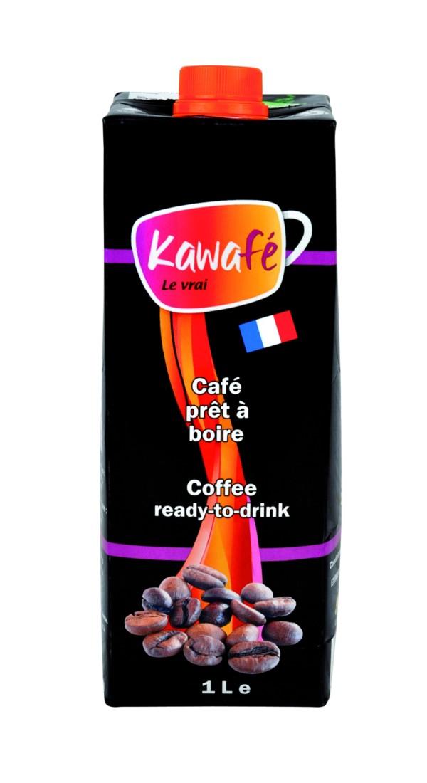 """Prix 2016 des Trophées : Le Kawafé. Conçu par l'équipe d'Eximum, ce café prêt à boire se différencie des autres solutions café par sa facilité d'emploi. Il bénéficie d'une conservation longue en brique TetraPak. Il se consomme chaud ou froid. Produit sans concurrence dans ce format (1 L), le café est réalisé à partir de café de la société """"Cafés Richard'"""" basée en Normandie."""