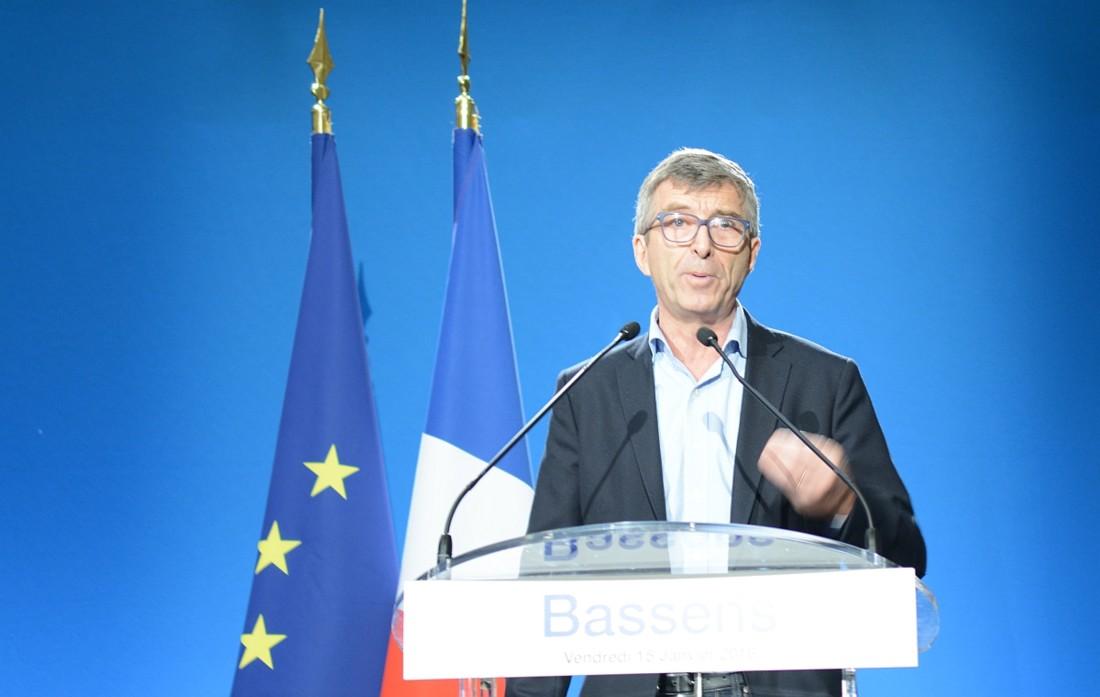 """""""La jeunesse a besoin qu'on l'écoute davantage"""", a affirmé Philippe Lamblin, DRH du groupe Avril détaillant les mesures de la convention signée le jour-même, dont l'accueil de 400 alternants à horizon 2018 (contre 71 en 2013)."""