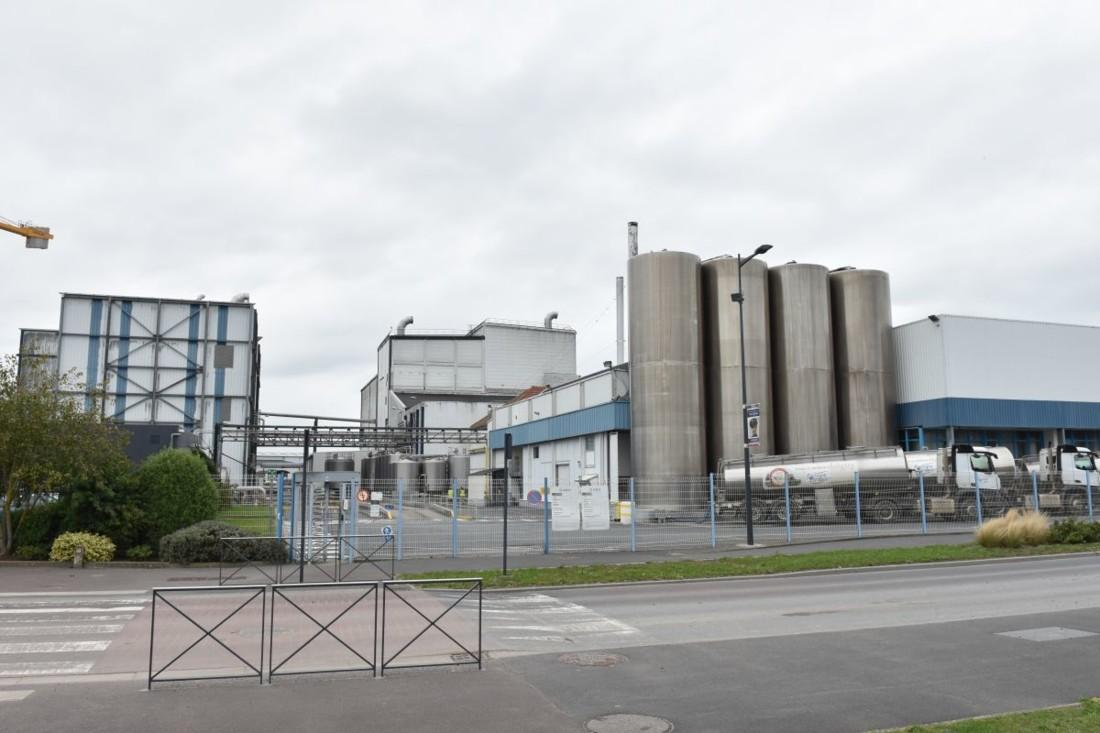 L'unité U1 est à proximité de la nouvelle unité U3. Mais cette dernière est conçue de façon indépendante, avec son propre stockage du lait et atelier de pesée des ingrédients.